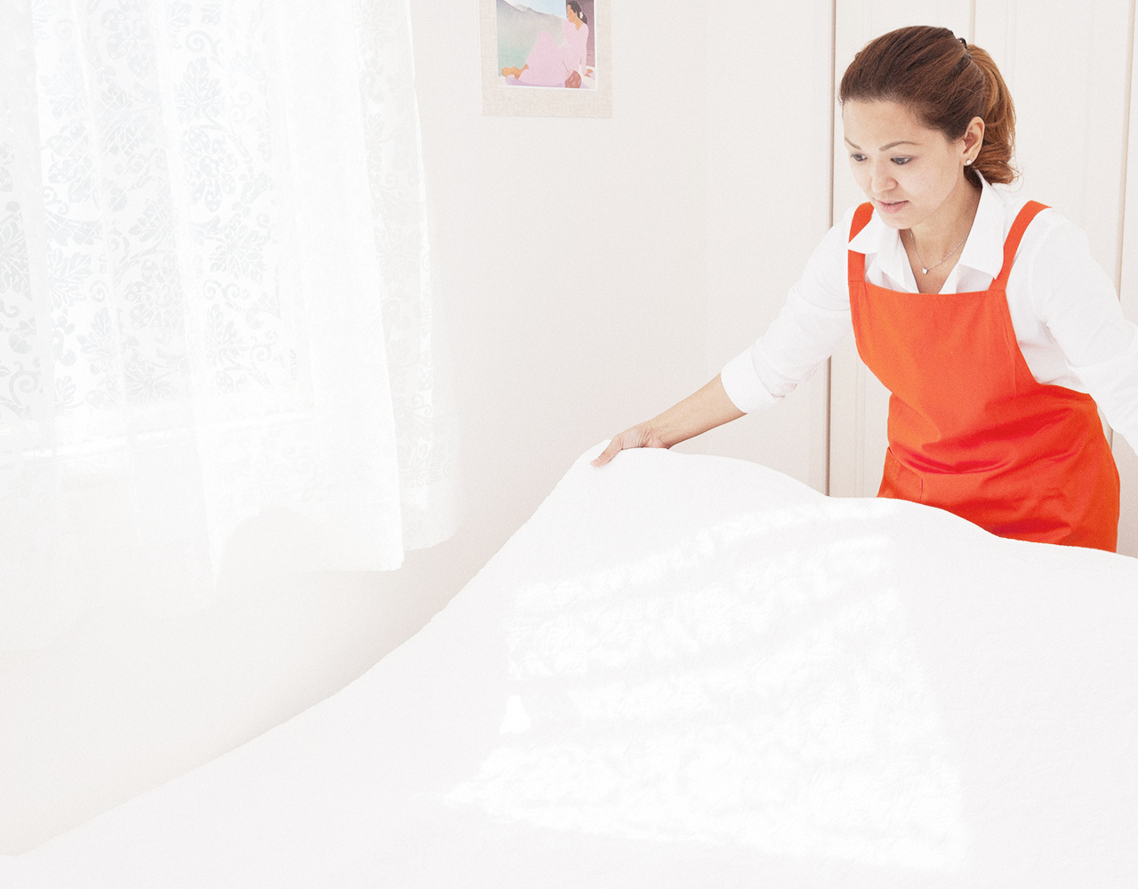 Pinay HOUSEKEEPING SERVICE We're Pinay HOUSEKEEPING SERVICE 私たちはピナイ家政婦サービスです。