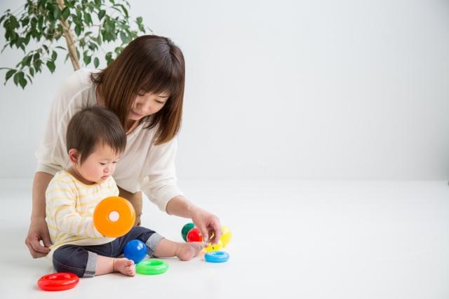共働き家庭における幼稚園のメリット・デメリットとは?【預かり保育についても解説】