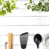 【平日がんばらない!】共働き子育て家庭でもできるおすすめの夕食献立とは?